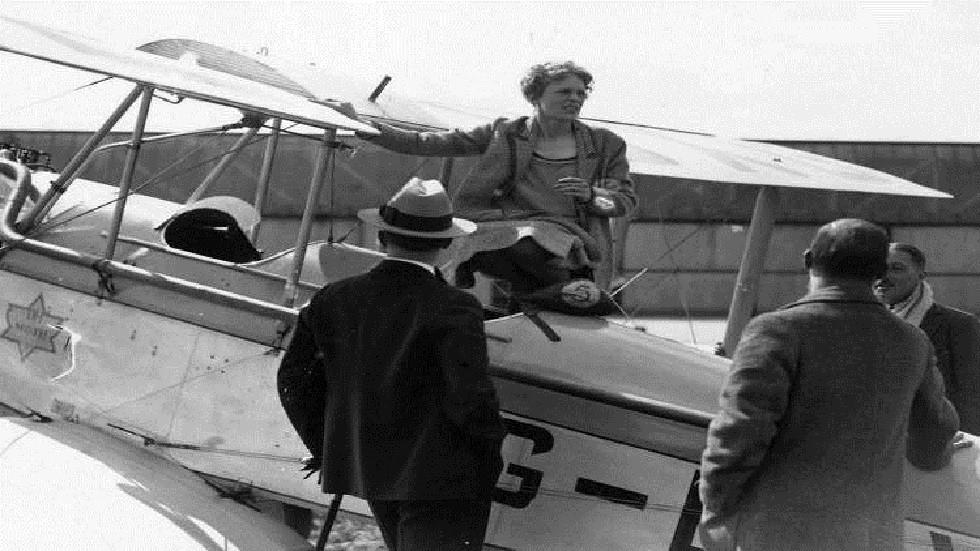 الطيارة الأمريكية الشهيرة، أميليا إيرهارت