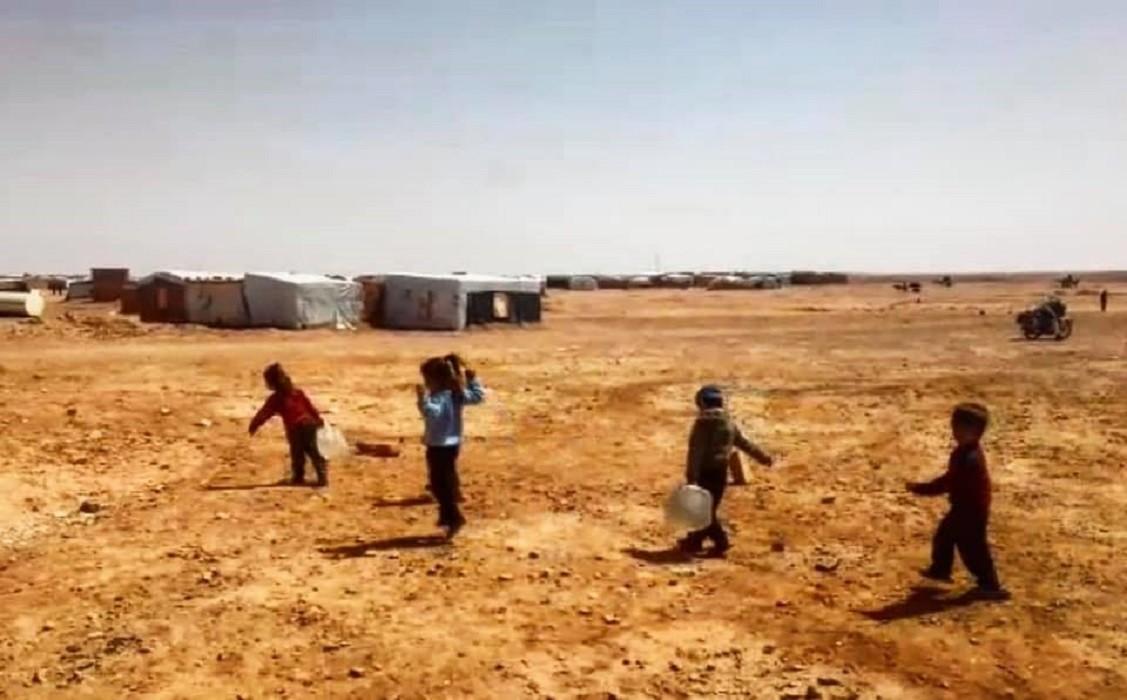"""أطفال في مخيم """"الركبان"""""""