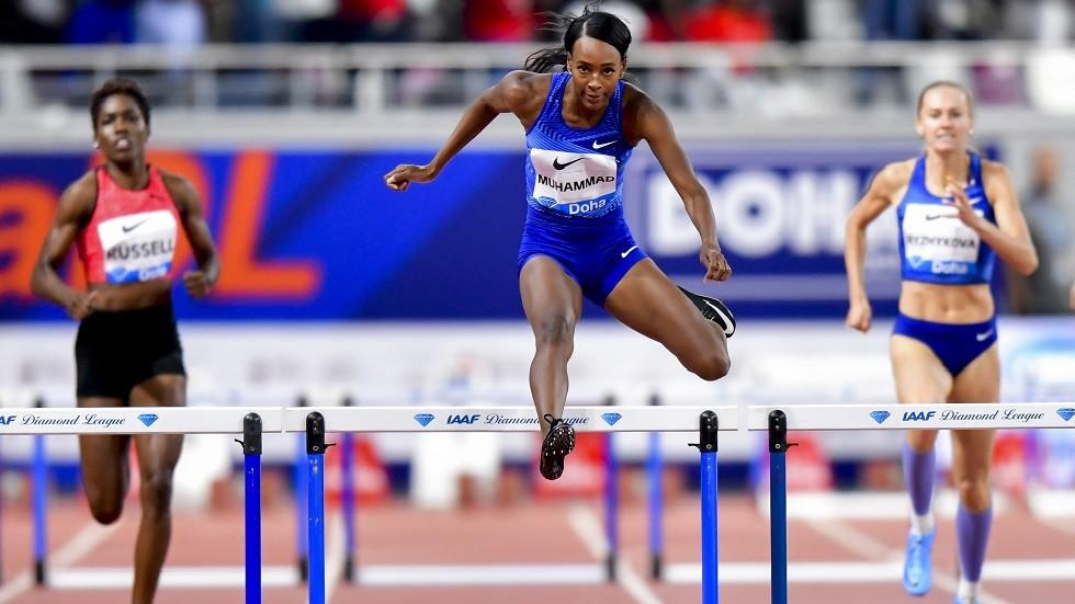 الأمريكية دليلة تحطم الرقم القياسي العالمي لسباق 400 متر حواجز