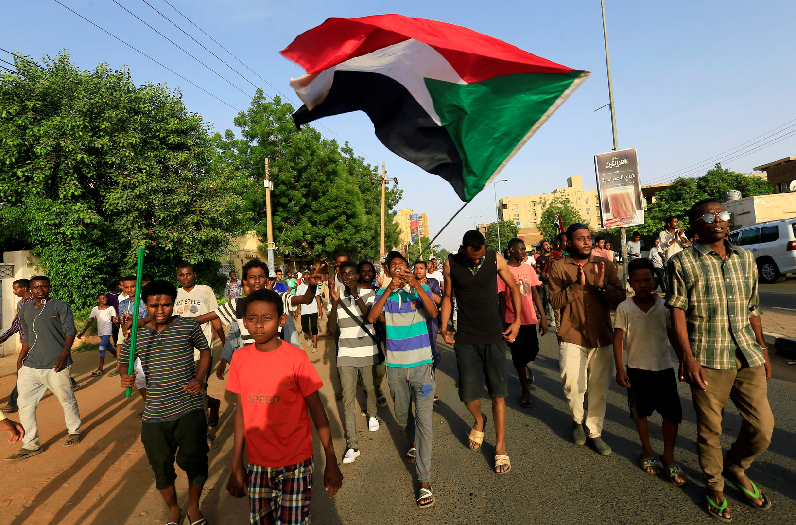 مقتل5 متظاهرين بالرصاص الحي في تظاهرات بمدينة الأبيض غرب السودان (فيديو)