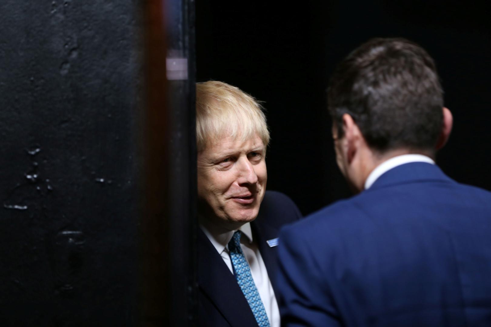 جونسون يحاول كسر مقاومة اسكتلندا لـ