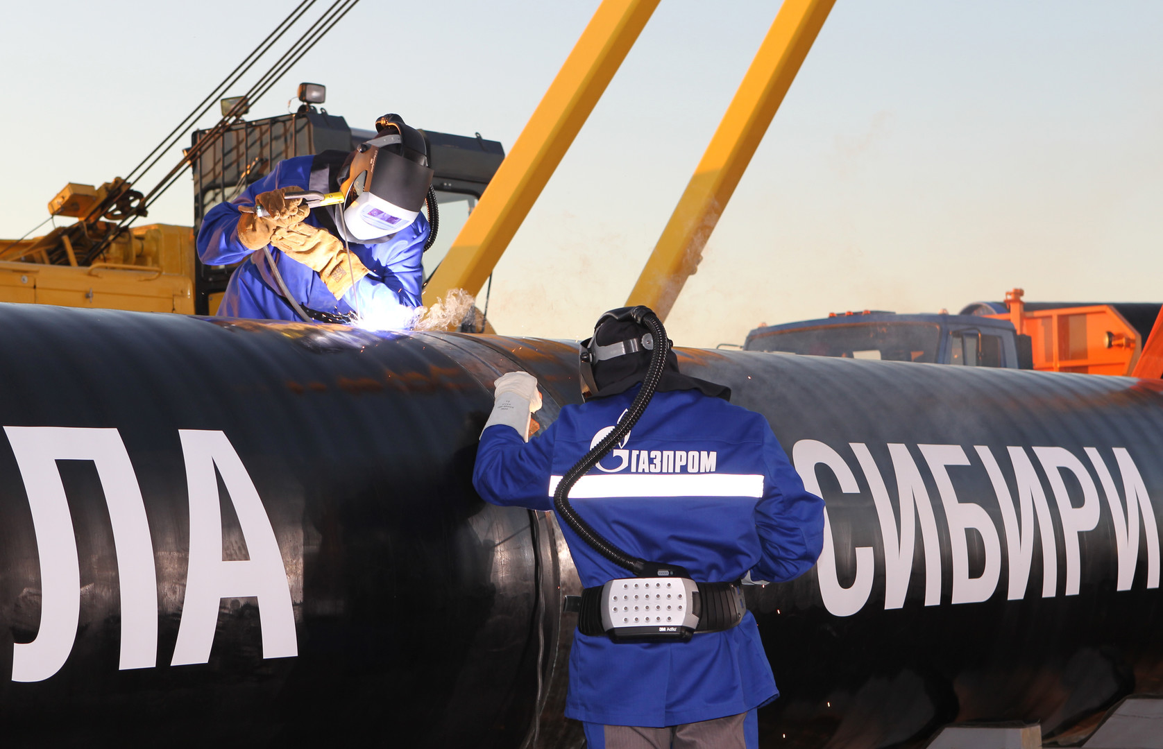 موردو الغاز إلى الصين يواجهون