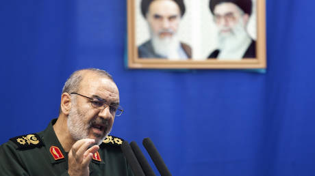 Revolutionary Guards commander: Iran has cut the military route in front of the enemy