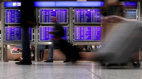 frankfurt airport postponed sunday flights due to a bomb from world war ii