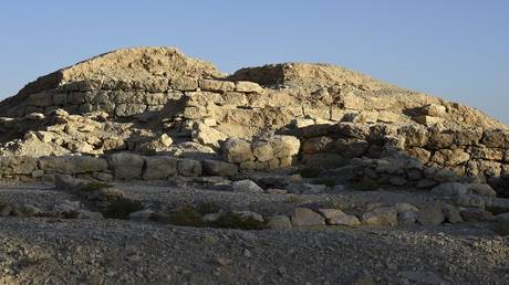 UNESCO inserts Bahrain's Dilmun tombs into World Heritage List