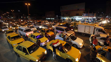 """The """"Derby"""" Baghdad causes the road to be cut for 6 hours"""