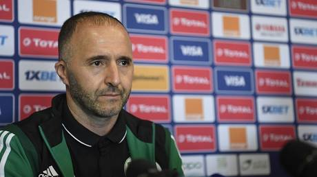 Algeria coach responds strongly to Nigerian journalist tried to embarrass him (Video)