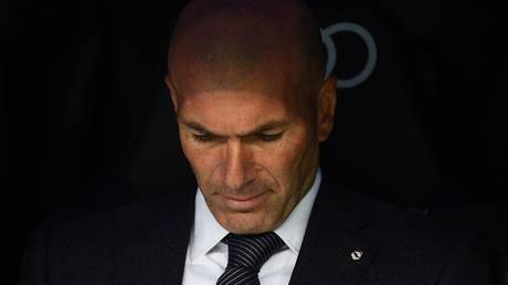 The death of Zidane's brother and the Real Madrid team stands a minute of silence