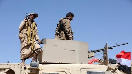 Yemeni government forces control the chain of highlands north of the border province of Saada