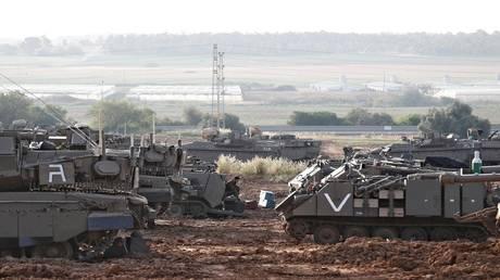"The Hebrew media: ""Hamas"" draw Israeli soldiers through ""Watts Ab"""