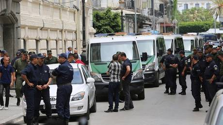 Algeria: Former officials involved in the case of suspicious funds and jewelry seized a house in the capital