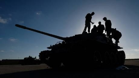 """متحدث: قوات حكومة الوفاق تصد هجوما كبيرا لـ""""الجيش الليبي"""" جنوب طرابلس"""