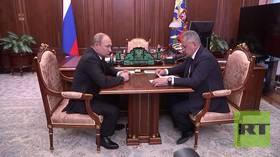 بوتين يوجه شويغو بكشف تفاصيل حريق على متن غواصة أودى بحياة 14 بحارا روسيا