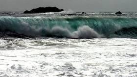 زلزال بقوة 7.1 درجة يضرب شرق أندونيسيا وتحذيرات من تسونامي