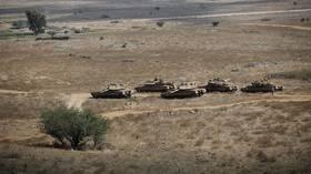 """إسرائيل تحصن مواقع استراتيجية خوفا من صواريخ """"حزب الله"""""""