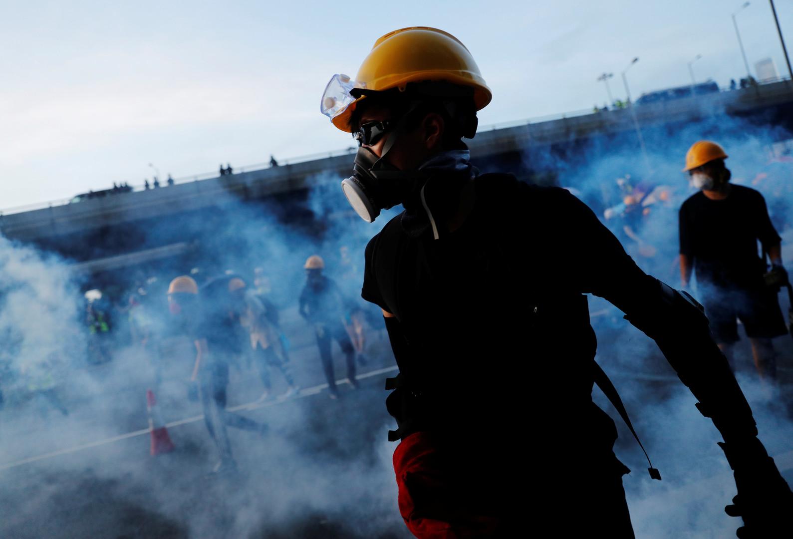 الجيش الصيني يخرج عن صمته حيال احتجاجات هونغ كونغ وينشر فيديو لفض المظاهرات