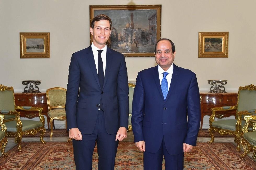 الرئيس المصري عبد الفتاح السيسي ومستشار الرئيس الأمريكي جاريد كوشنير (أرشيف)