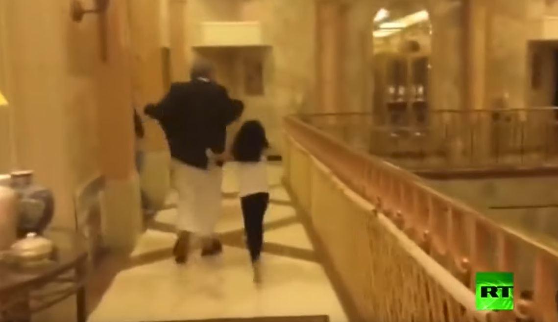 الوليد بن طلال يستعيد روح الشباب ونبضه مع حفيدته نورا