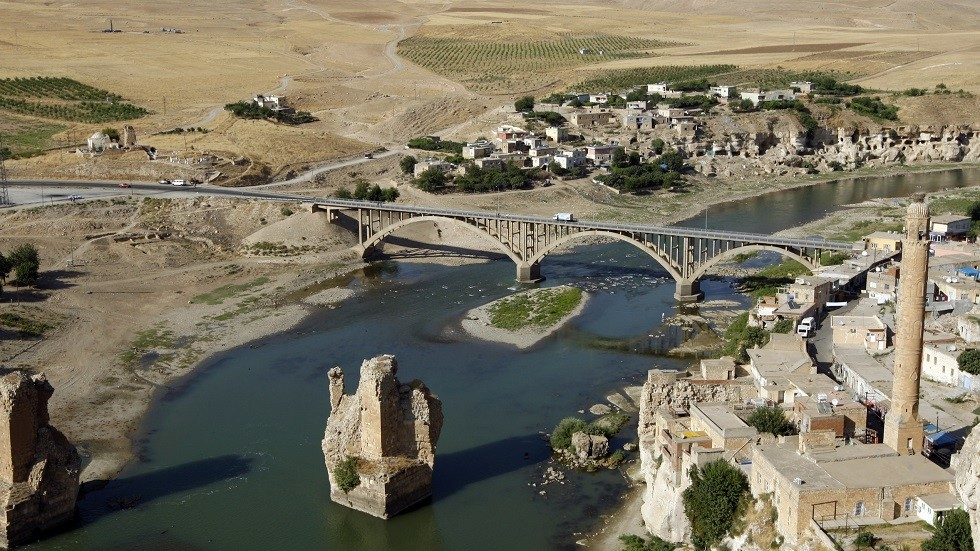 بلدة حسن كيف التاريخية على نهر دجلة بتركيا