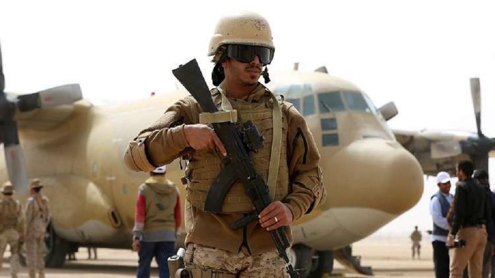 جندي سعودي أثناء مناورات درع الخليج - 1