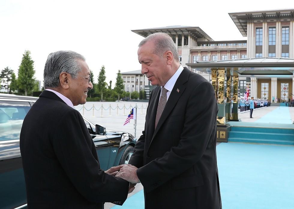 رئيس الوزراء الماليزي مهاتير محمد والرئيس التركي رجب طيب أردوغان - أرشيف -