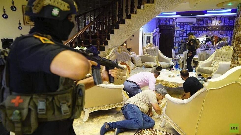 بالصور.. الحشد الشعبي يعلن القبض على زعيم أكبر مافيا للمتاجرة بالمخدرات والنساء في بغداد
