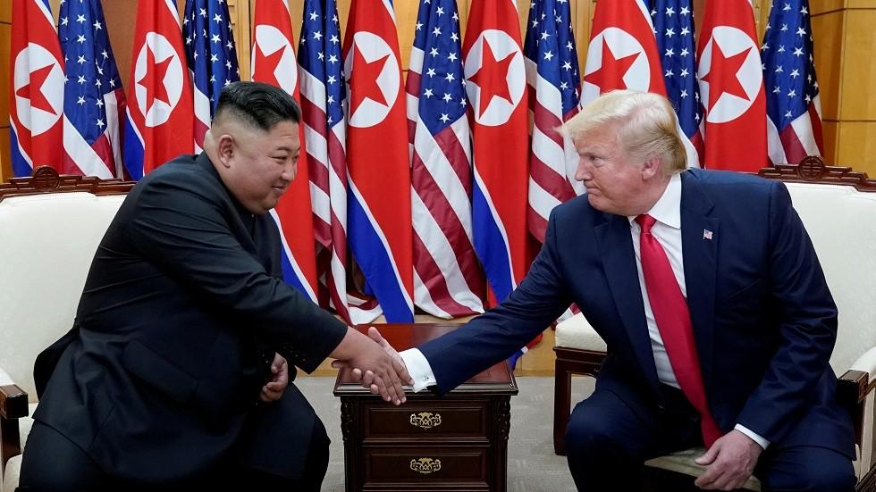 كوريا الشمالية تصدر طوابع بريدية في ذكرى قمة ترامب وكيم