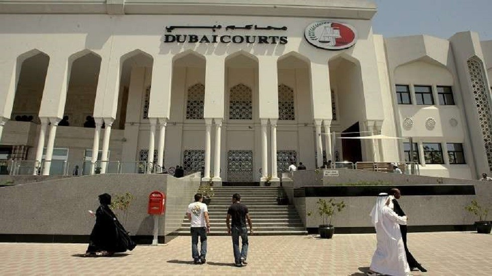 دبي تحبس امرأة من جنسية عربية وترحلها