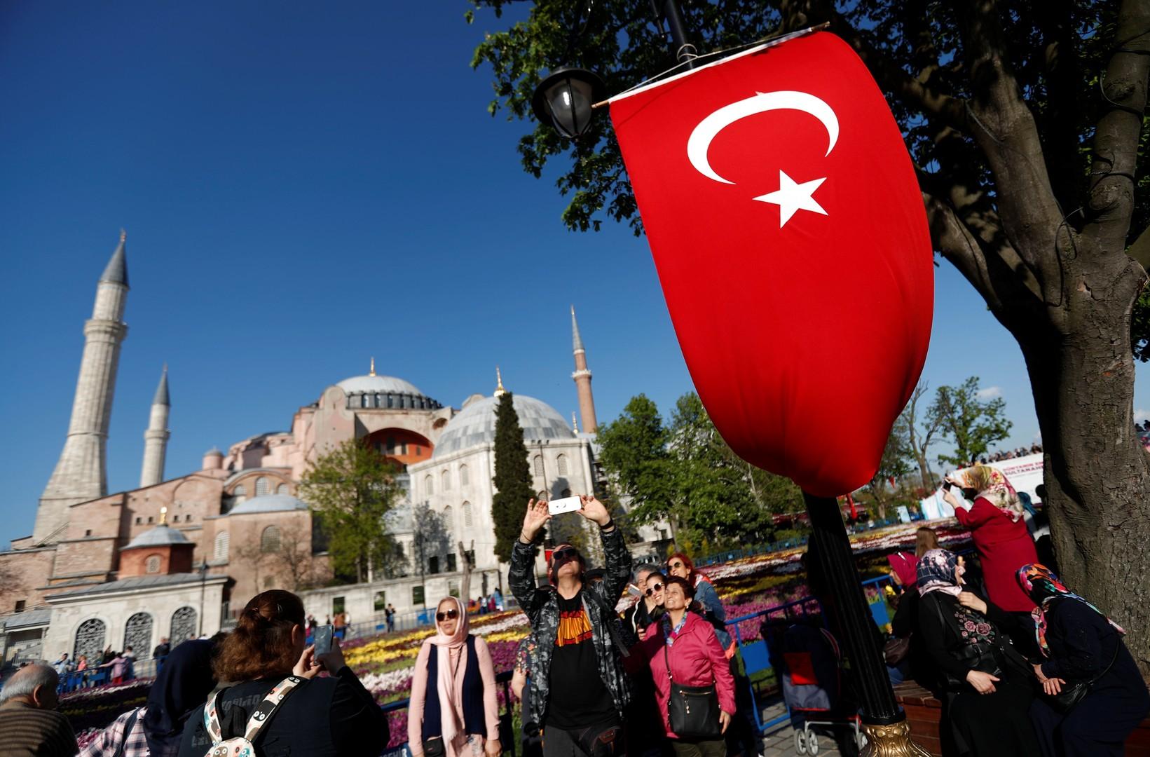تدفق العرب نحو تركيا في عطلة الصيف وعيد الأضحى