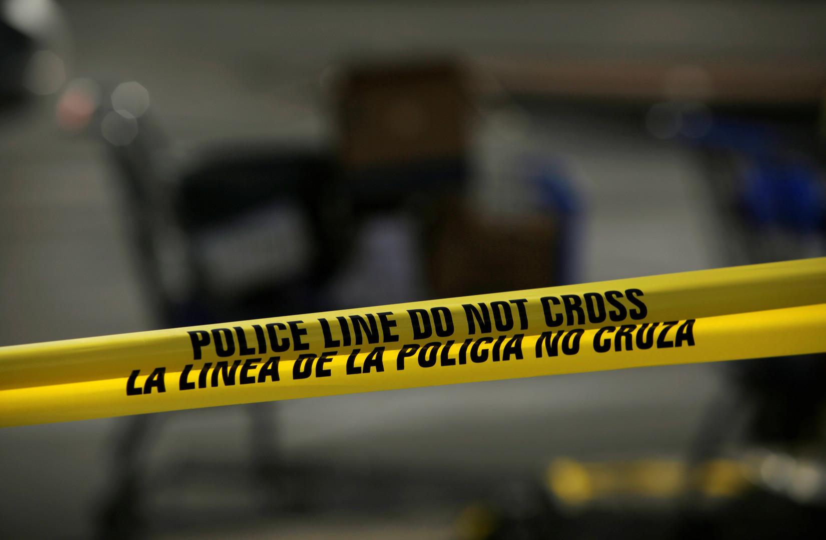 بعد أيام من مجزرة إل باسو.. احتجاز رجل مسلح داخل متجر