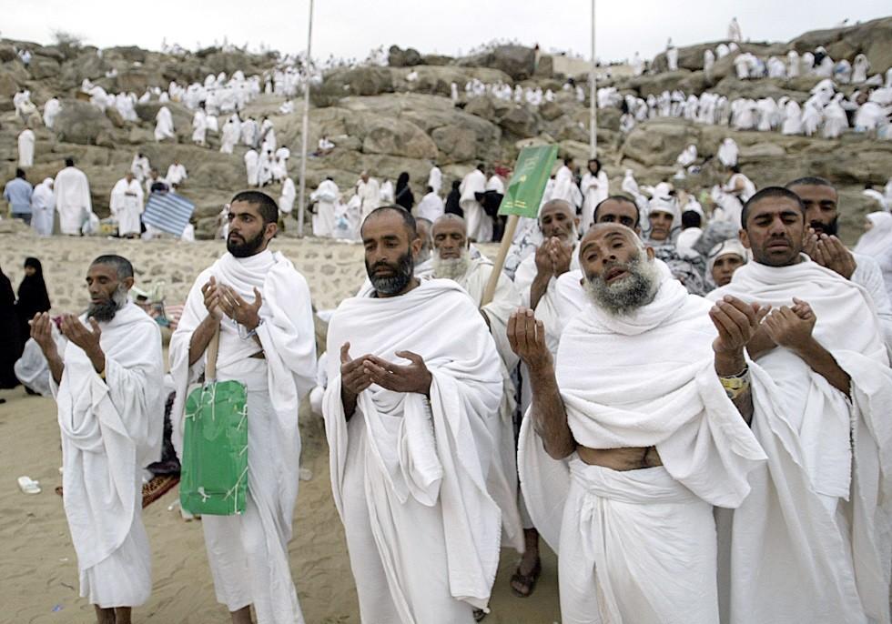 الحجاج يتأهبون للنفرة من عرفات إلى مزدلفة