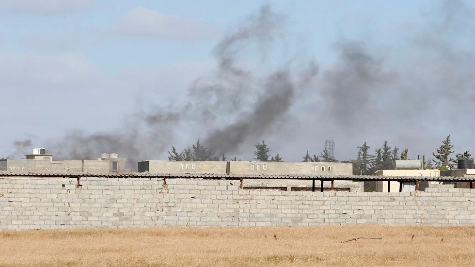 اشتباكات بالأسلحة الثقيلة جنوب طرابلس الليبية بالتزامن مع تكبيرات العيد