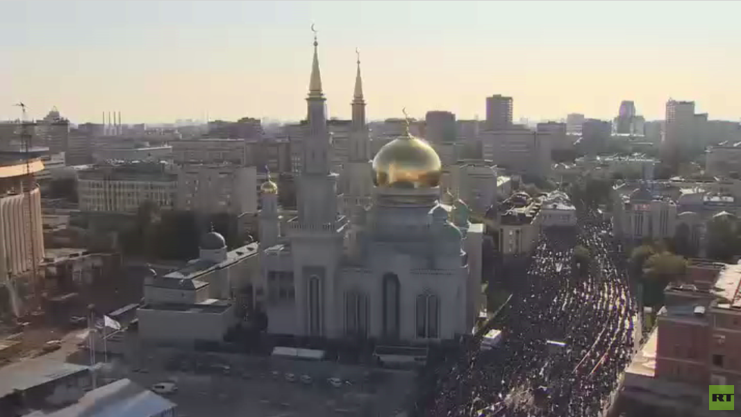لمسلمون في موسكو يحتفون بعيد الأضحى
