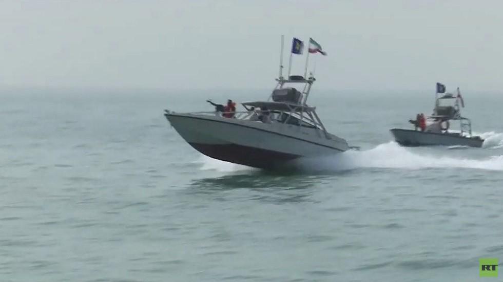 قائد البحرية الإيرانية: قادرون على احتجاز أي سفينة في أي وقت حتى وإن رافقتها سفن بريطانية وأمريكية