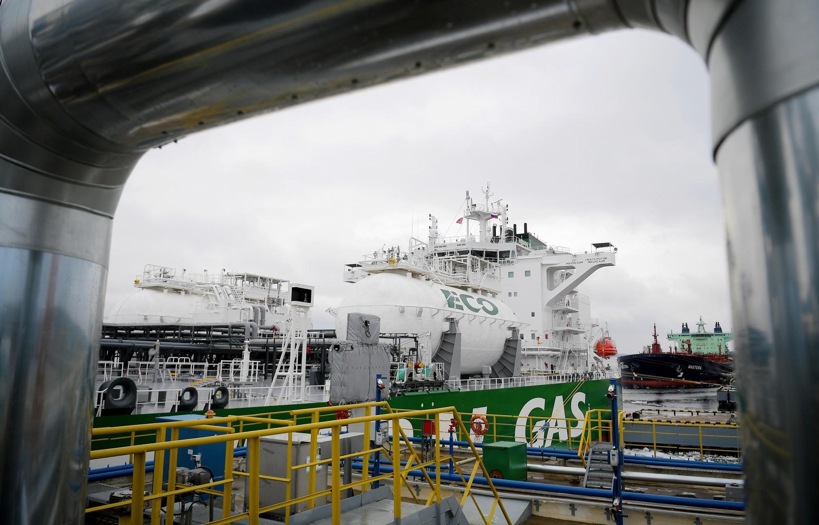 روسيا تتوسط دولتين عربيتين في توريدات الغاز المسال إلى أوروبا
