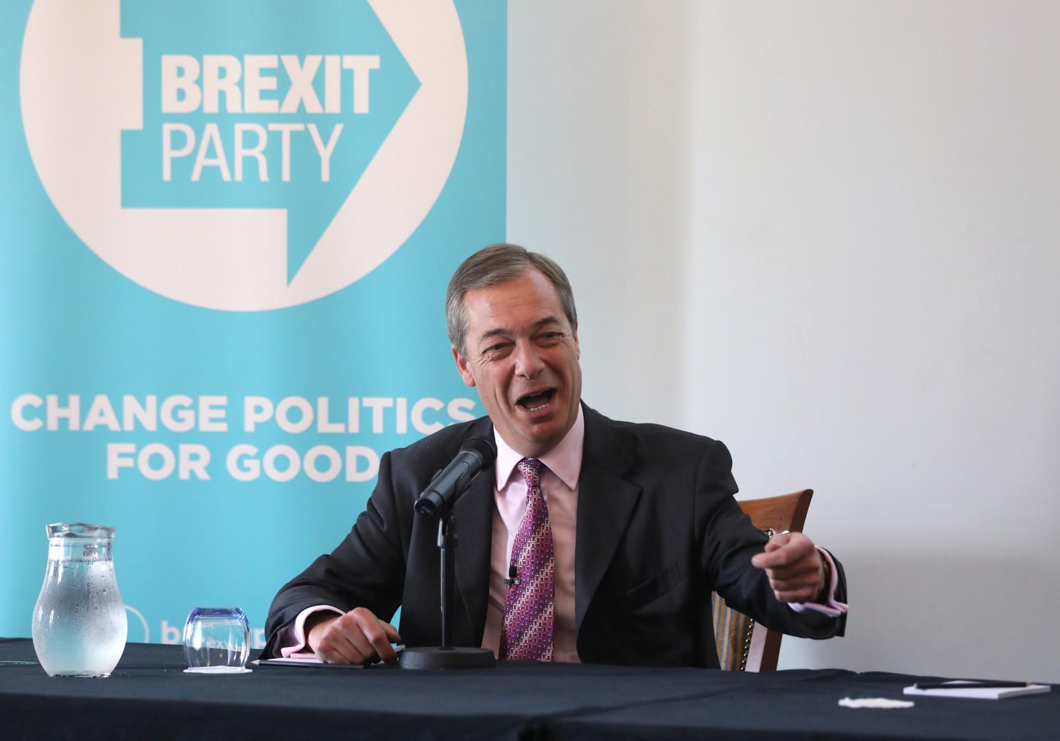 زعيم حزب بريكست البريطاني، نايجل فرج