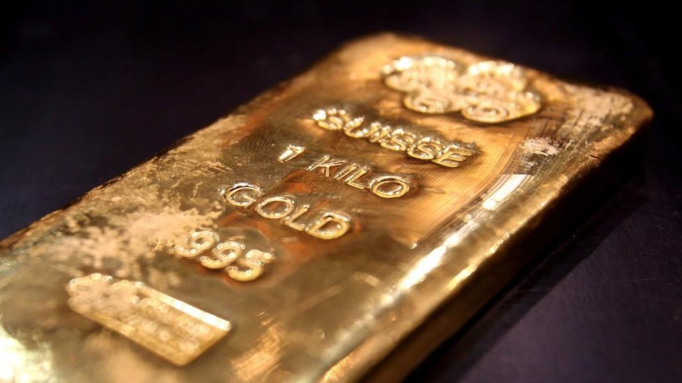 الذهب عند أعلى مستوى في نحو 6 أعوام