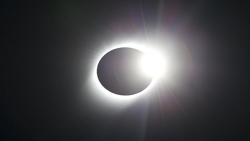 خطة غيتس لحجب أشعة الشمس تثير مخاوف عالمية