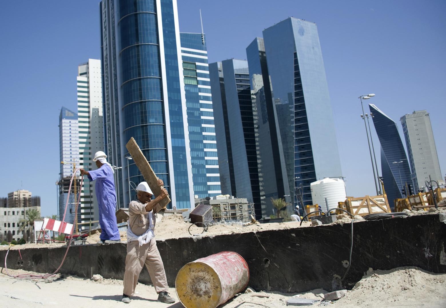 الكويت.. انتقادات برلمانية حادة بسبب تقرير عن العمالة المصرية!