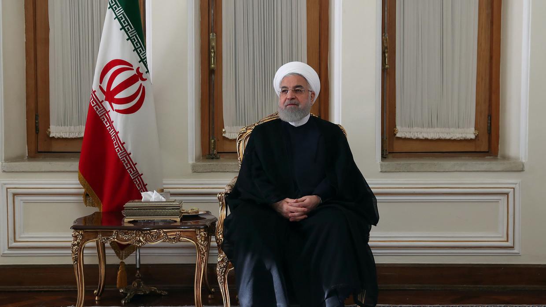 إيران تغازل دول الجوار وتحذرها من أطماع الولايات المتحدة في خزائنها