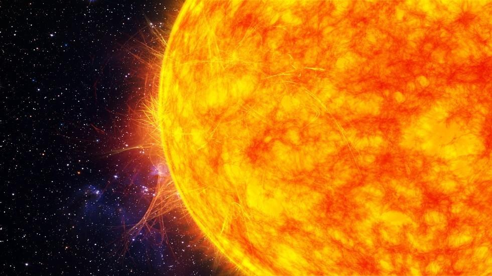 رصد لحظة حدوث انفجار مذهل على سطح الشمس (فيديو)