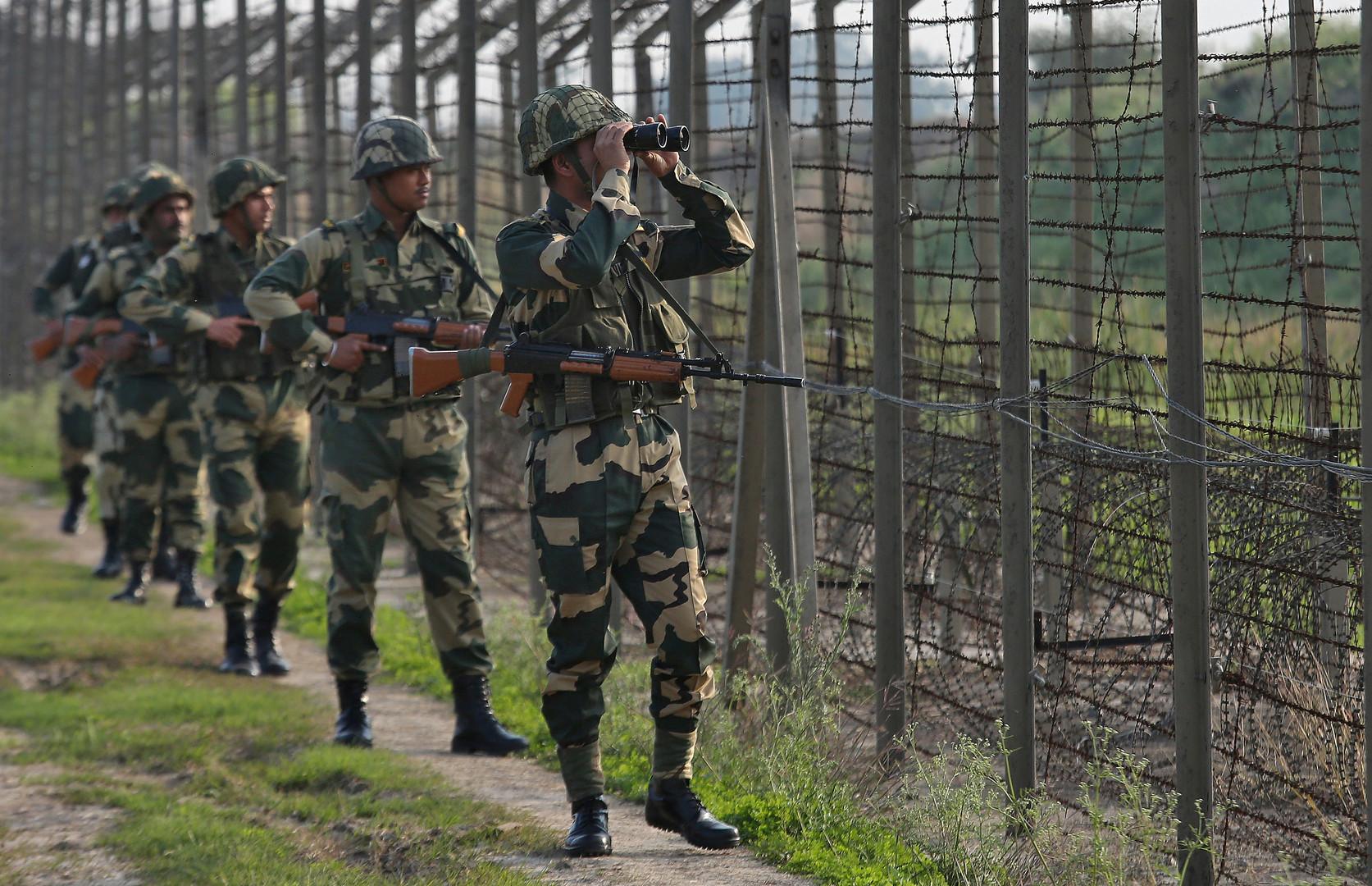 نيودلهي تتهم باكستان بمساعدة نشطاء على التسلل إلى القسم الهندي من كشمير