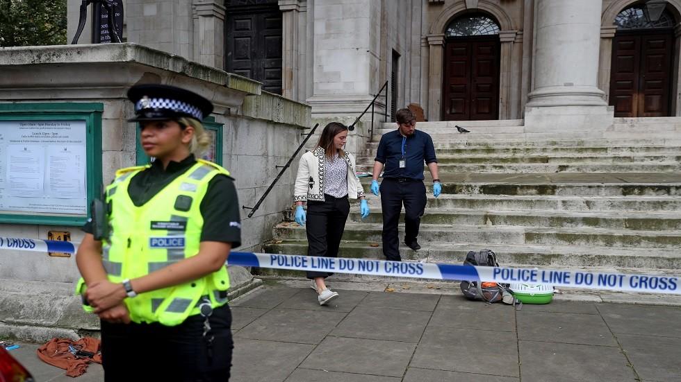 مجهول يطعن رجلا بالقرب من مترو الأنفاق وسط لندن