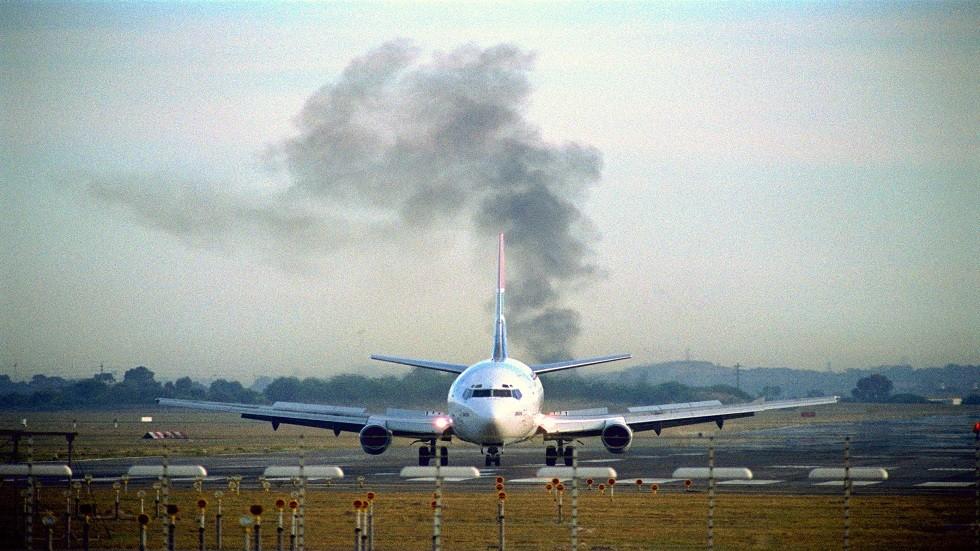 أهم ما يجب فعله في حالات الهبوط الاضطراري للطائرات