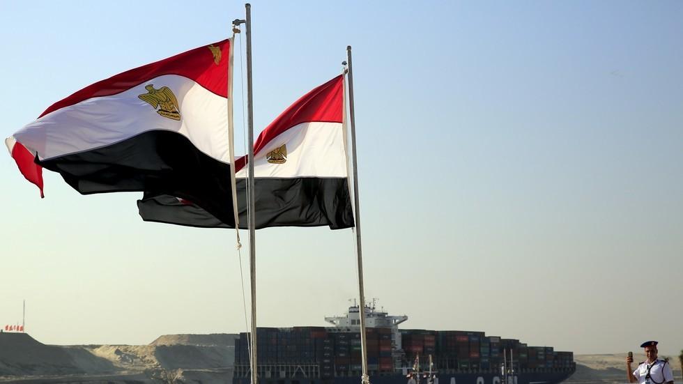 مصر تستهدف خفض الدين العام إلى 77.5% من الناتج المحلي في 2022