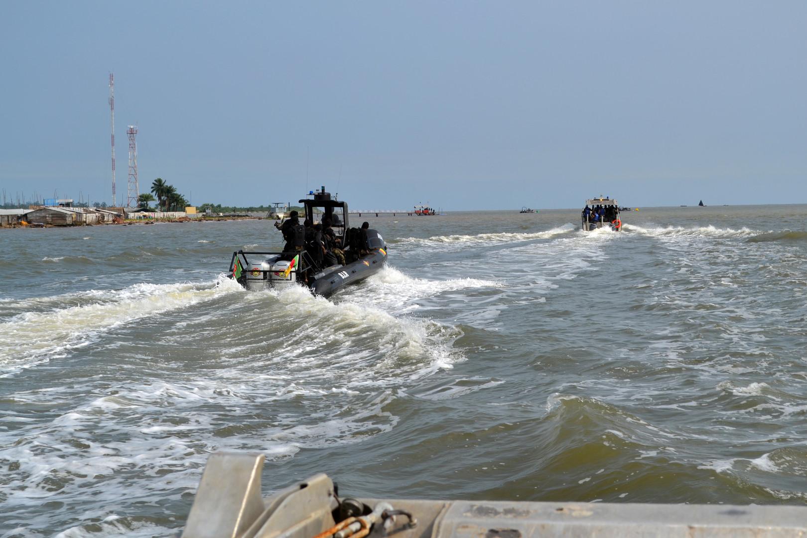 قراصنة يختطفون 3 بحارة روس قبالة سواحل الكاميرون