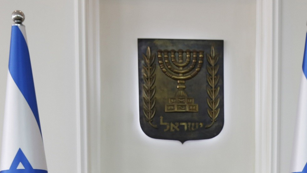 استقالة وزير إسرائيلي متهم بالفساد