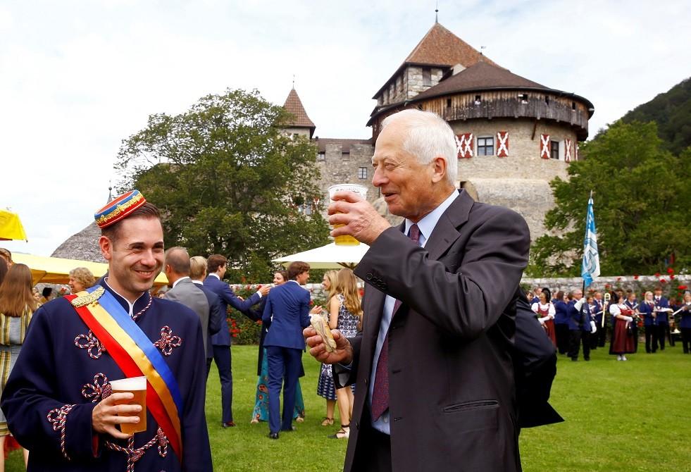 امير ليختنشتاين هانز آدم الثاني خلال الاحتفال بعيد تأسيس الإمارة