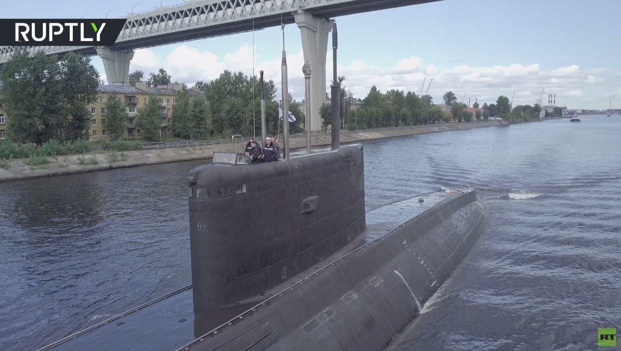 شاهد.. غواصة روسية جديدة تستعد للاختبارات في بحر البلطيق