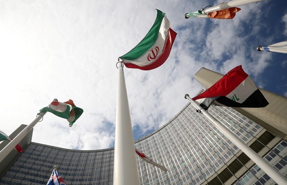 إيران تهدد بتشغيل المزيد من أجهزة الطرد المركزي